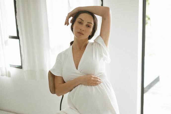 """בחודש שביעי להריונה אנה ארונוב מגלה: """"לא הכל מושלם כמו שנראה בתמונות"""""""