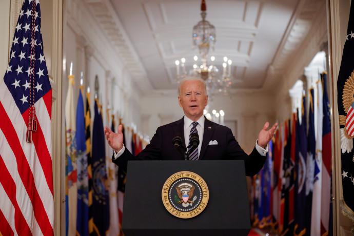 100 הימים הראשונים בבית הלבן: השגיאות וההצלחות של ביידן