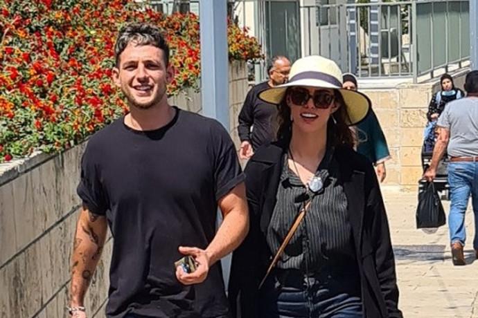 לידיעת קארין סנדל: ישראל אוגלבו נצפה מבלה עם בחורה אחרת
