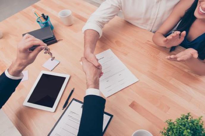 """בחירת עורך דין בתחום הנדל""""ן: אלו הפרמטרים החשובים שיסייעו לכם להחליט"""
