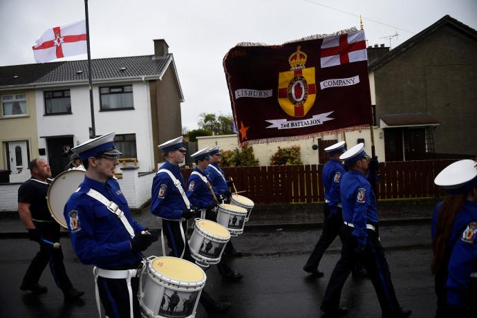 """ממשלת בריטניה תקים ועדת """"אמת ופיוס""""לטיפול בסכסוך האלים בצפון אירלנד"""