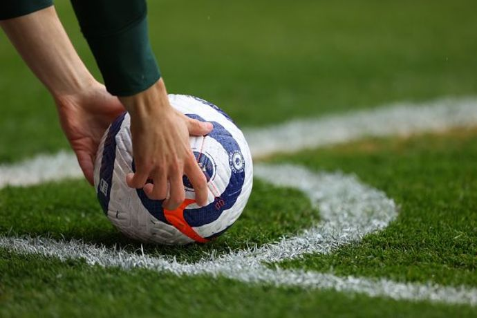"""אשתו של הכדורגלן חשפה: """"קשה לי להבין מה זה קרן"""""""