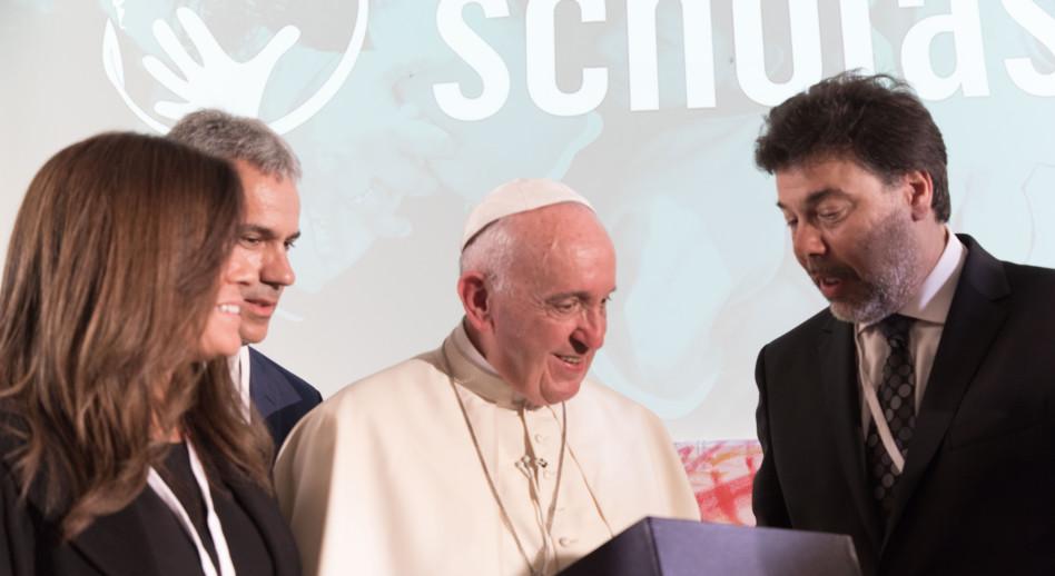דריו ורטהיין והאפיפיור פרנציסקוס