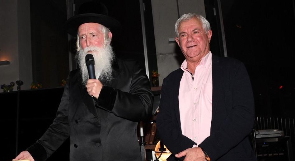 רוני פוקס, הרב יצחק דוד גרוסמן