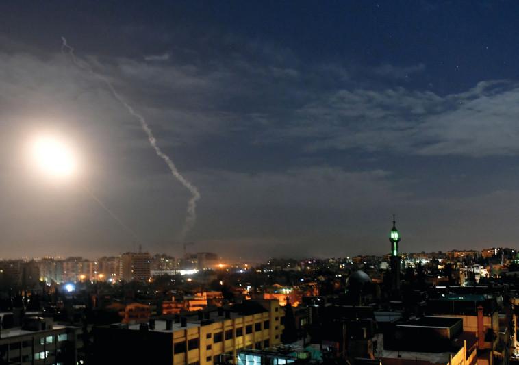 איראן :שגרנו טילים מסוריה לכור בדימונה בלילה  ולמפעל טילים בישראל -בעולם מדווחים שאיראן תקפה את הכור בדימונה 613782