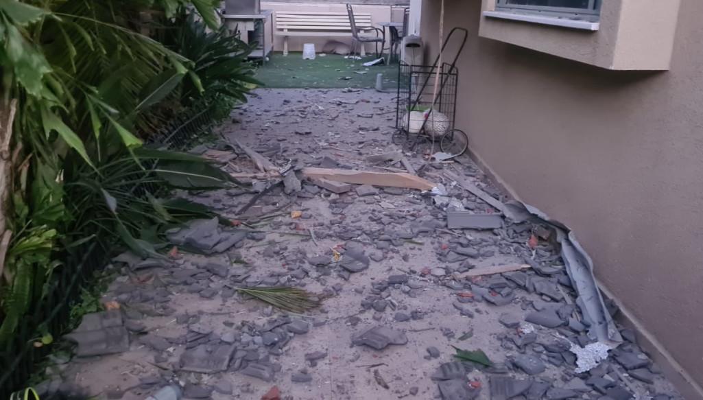 בית שנפגע מרקטה באשקלון