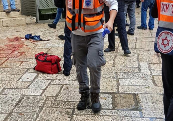 פיגוע דקירה בשער האריות, ירושלים