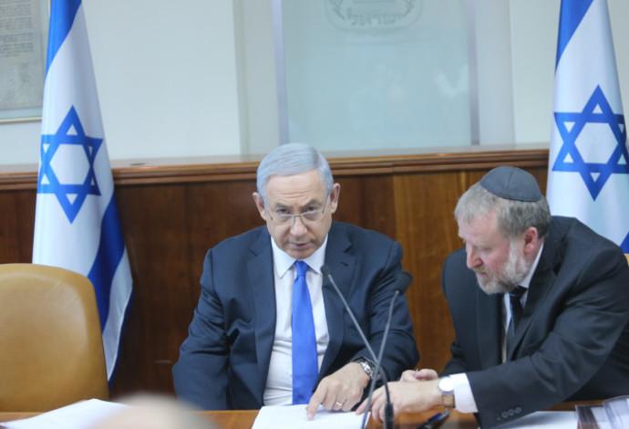 ראש הממשלה בנימין נתניהו והיועץ המשפטי לממשלה אביחי מנדלבליט