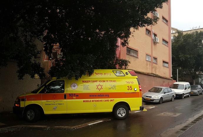 חשד לרצח בחיפה, אמבולנס