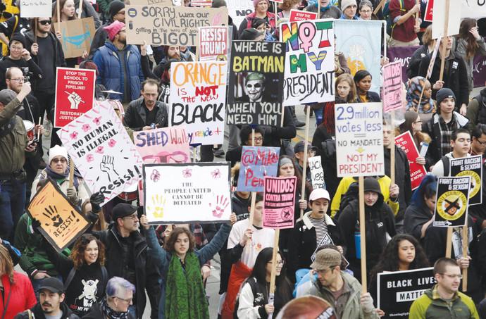 """הפגנות נגד טראמפ בארה""""ב"""