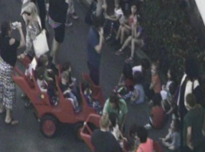 התלמידים מפונים מבית הספר בדרום פלורידה