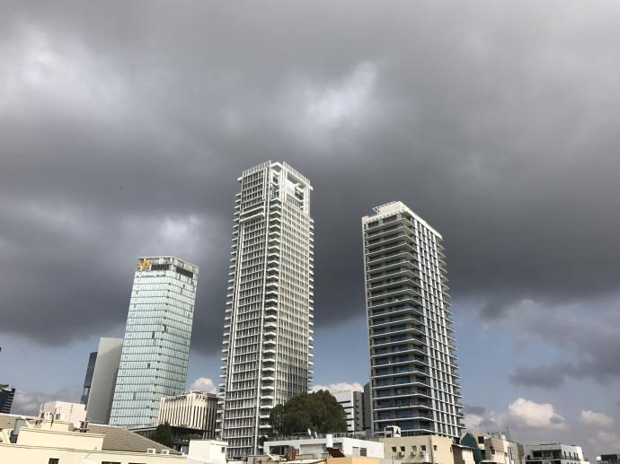 מזג אוויר סגרירי בתל אביב