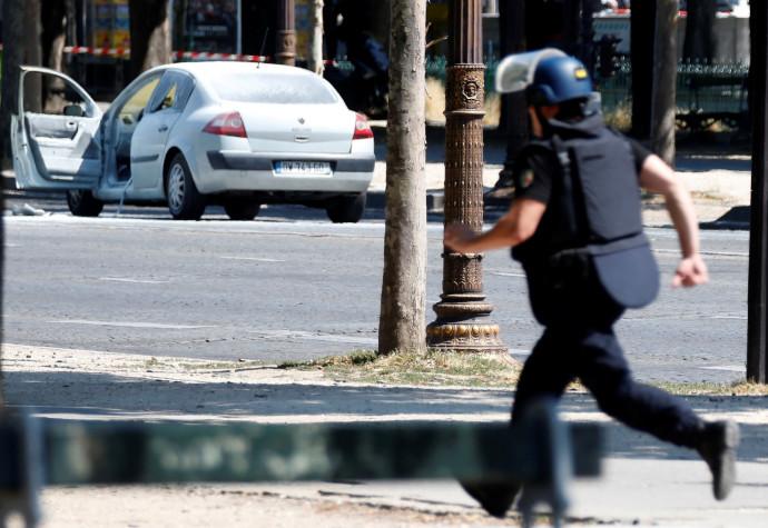 ניסיון פיגוע דריסה בפריז