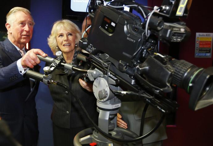 הנסיך צ'ראלס ואשתו קמילה, באולפני ה-BBC