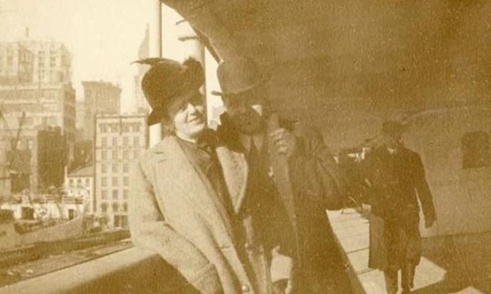 הולברסון ואשתו לפני העליה לטיטניק