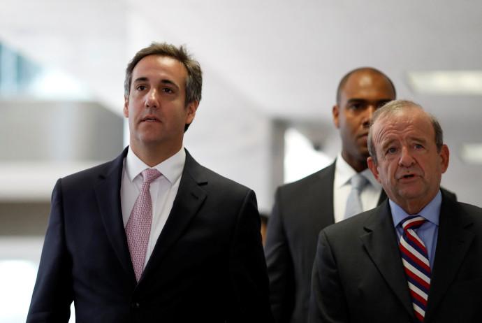 עורך דינו של טראמפ מייקל כהן (משמאל)