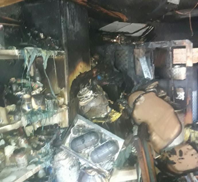 הבית שנשרף לאחר שבן 4 שיחק עם גפרורים