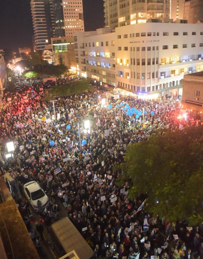 ההפגנה בשדרות רוטשילד נגד השחיתות