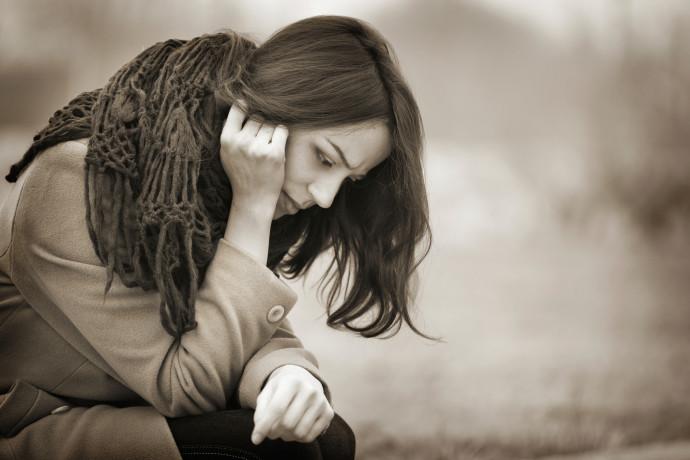 אישה עצובה, אילוסטרציה