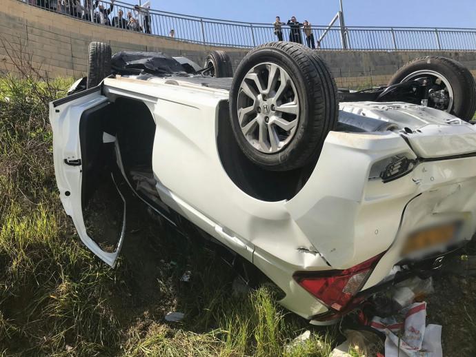הרכב שהתהפך בתאונה בבית שמש