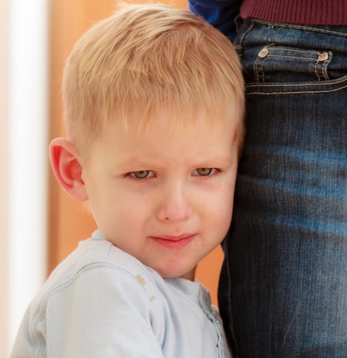 ילד מסרב ללכת לבית הספר