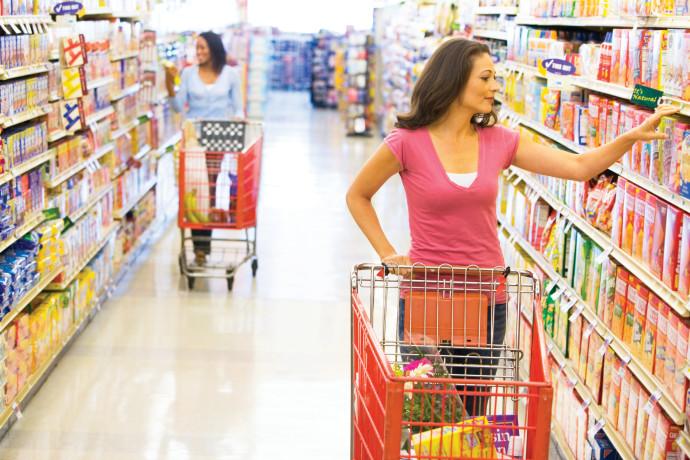 אישה עורכת קניות, אילוסטרציה