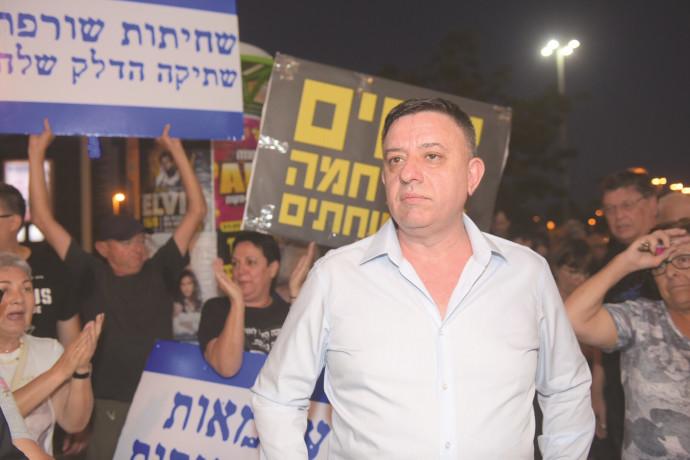 אבי גבאי בהפגנה נגד מתווה הגז