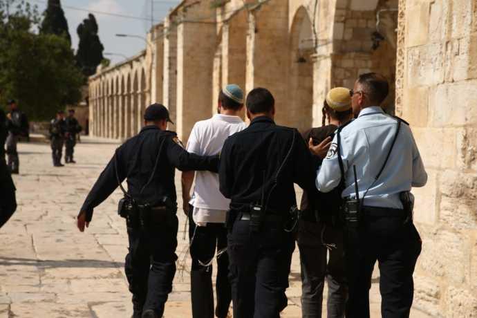 יהודים עצורים בהר הבית