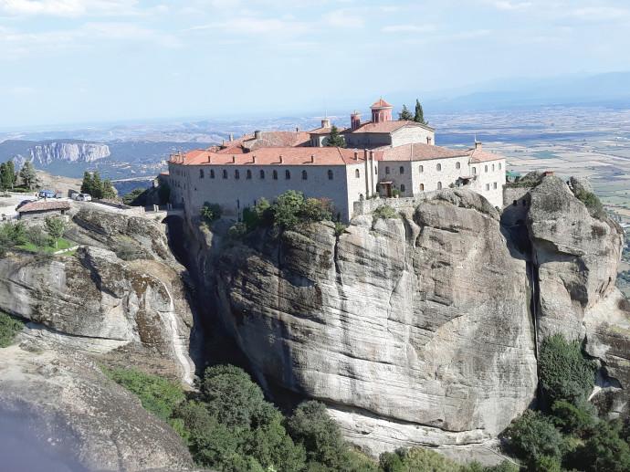 מנזר במטאורה