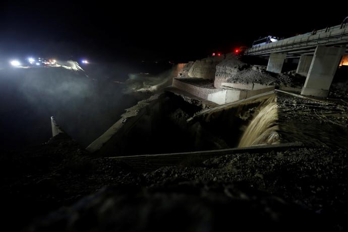 מאמצי החיפוש לאיתור ניצולים באסון השיטפון בירדן