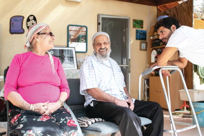 אתגר מויאל עם סבא יעקב וסבתא אסתר