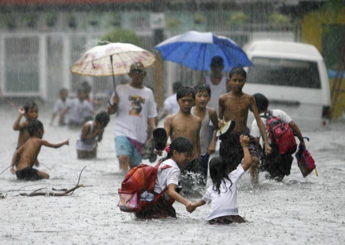 סופת טייפון בתאילנד