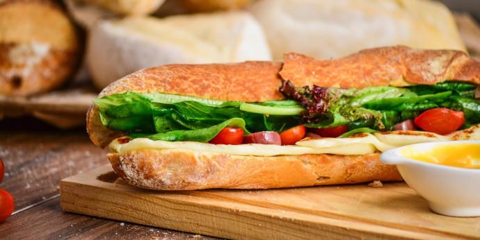 סנדוויץ' גבינה צהובה