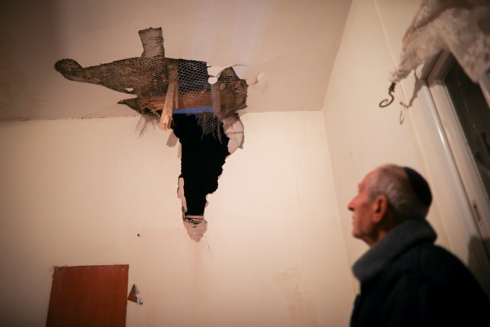בית שנפגע מרקטה בשדרות (ארכיון)