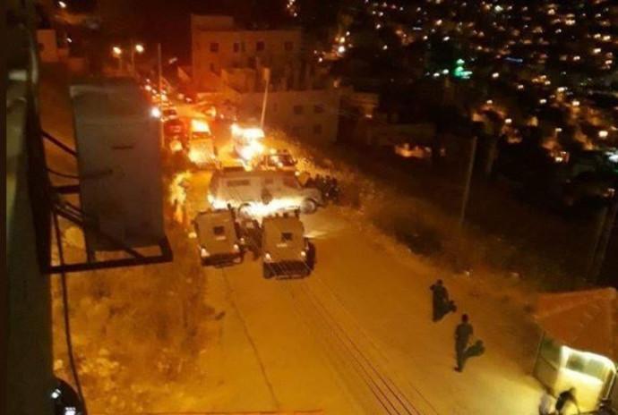 """כוחות צה""""ל מול מטה הביטחון המסכל הפלסטיני בשכם"""