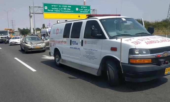 רוכב אופניים חשמליים נהרג בכביש 471