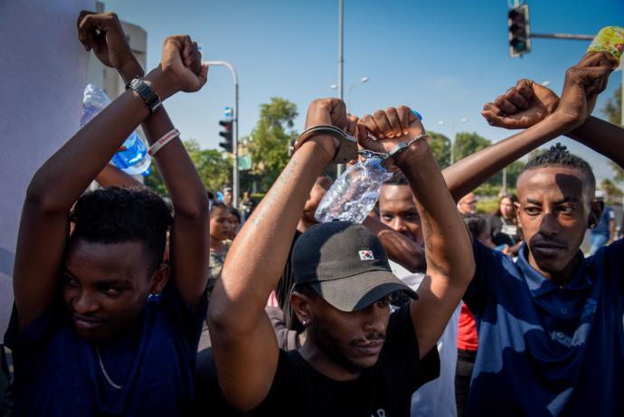 יוצאי אתיופיה מפגינים נגד אלימות משטרתית