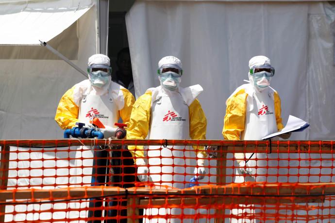 הצוותים הרפואיים במרכז אבולה בקונגו