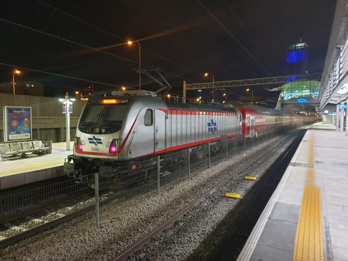 רכבת בקו החשמלי ירושלים-תל אביב