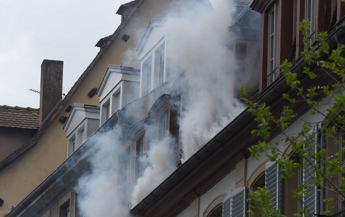 בית עולה בעשן