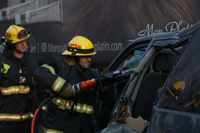 """כוחות כב""""ה בניסיונות חילוץ הפצועים"""
