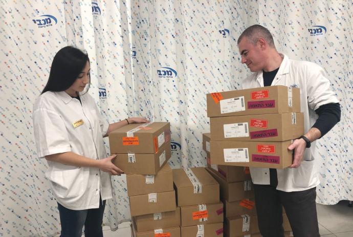 משלוח חיסוני שפעת חדשים (למצולמים אין קשר לנאמר בכתבה)