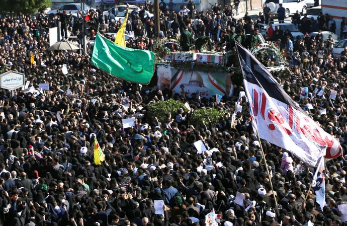 הלוויית קאסם סולימאני באיראן