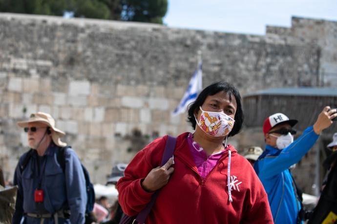 קורונה בישראל (למצולמת אין קשר לנאמר בכתבה)