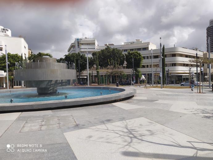 כיכר דיזנגוף ביום שבת