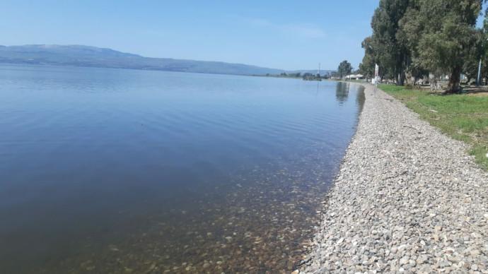 אגם הכנרת מלא ושומם בימי קורונה