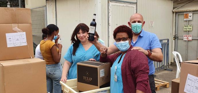 תרומת יקב טוליפ לבית חולים השרון