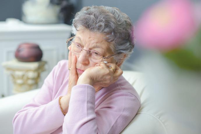 קשישה, אילוסטרציה