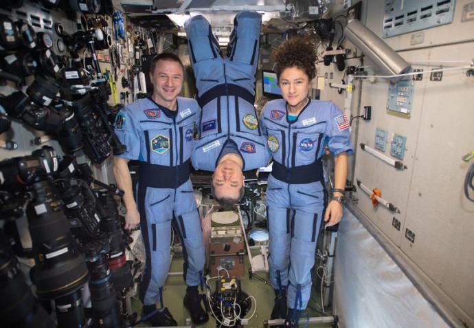 האסטרונאוטים לפני חזרתם לכדור הארץהאסטרונאוטים לפני חזרתם לכדור הארץ