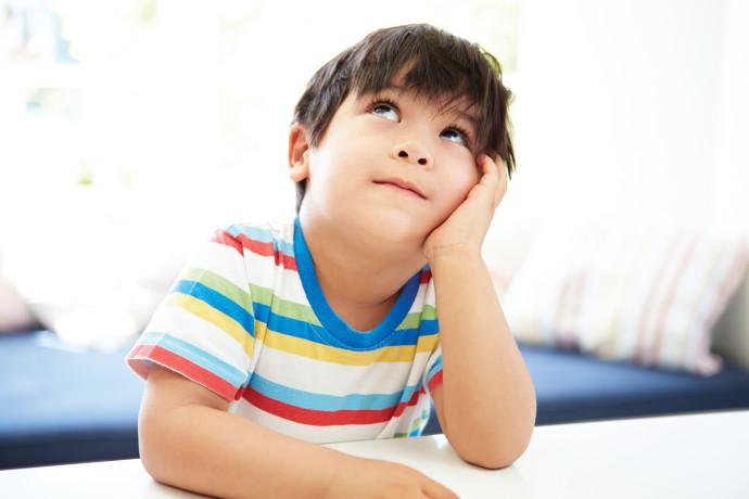 חשוב לתת מינון נכון של מחמאות לילד